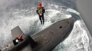 Макрон се спусна върху атомна подводница