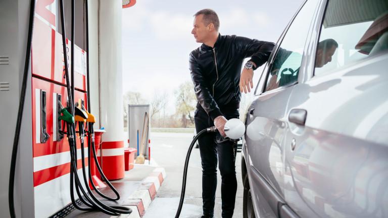 До колко ще поскъпне бензинът у нас при цена от $100 за барел петрол?