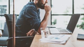 Работата през почивните дни: ще ви направи ли по-успешни?
