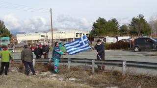 """Гръцки фермери блокираха за кратко граничния пункт """"Кулата-Промахон"""""""