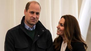 Уилям и Кейт отново там, където започна всичко