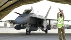 """US бойни самолети унищожили 116 петролни цистерни на """"Ислямска държава"""""""