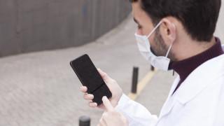 Как мобилните телефони уж ни помагат да преборим коронавируса