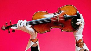 Най-скъпата цигулка в света свири в Москва след 70 години