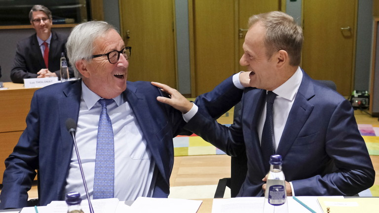 Председателят на Европейската комисия Жан-Клод Юнкер предупреди, че еврозоната ще