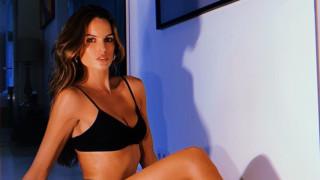 Изабел Гулар раздава секси крошета
