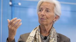Глобалният растеж е крехък и застрашен според Лагард
