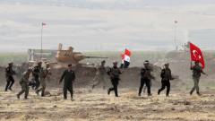 Иракските власти съобщават, че са поели от кюрдите границата с Турция