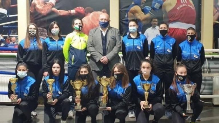 Министърът на младежта и спорта Красен Кралев поздрави шампионките от