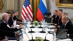 """Путин и Байдън преговаряха """"доста успешно"""" общо три часа и половина"""