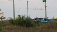 Прокуратурата разследва инцидента с двата влака ударили кола до Михайлово