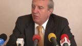 Томов показва части от договора за продажба на ЦСКА