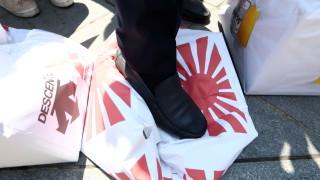Бензиностанциите в Южна Корея отказват да зареждат японски автомобили