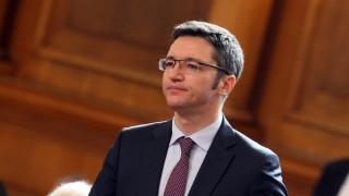 Сериозният дебат за договора с Македония предстои според Вигенин