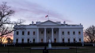 Обвиняват в конспирация двама бизнес партньори на Флин, бившия съветник на Тръмп