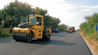 Жители на три села недоволстват заради затворен участък от пътя за Мелник
