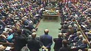 Привикват Мърдок в британския парламент