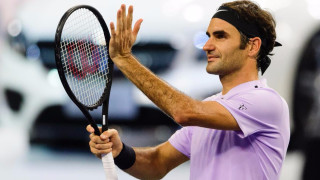 Роджър Федерер е на полуфинал в Шанхай