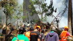 Жертвите от катастрофата с военен самолет на Филипините са най-малко 50