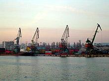 Пристанище Варна - Запад е затворено