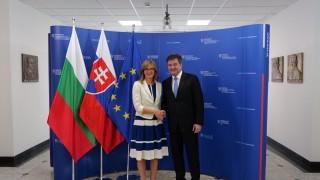 България и Словакия искат ЕС да покани Скопие и Тирана за преговори