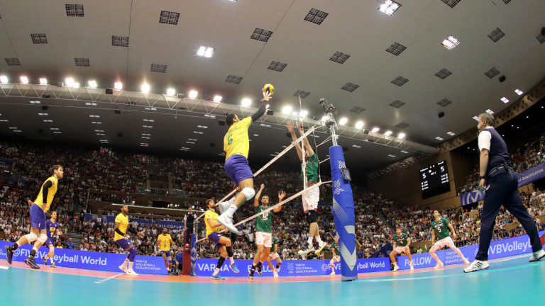Българските волейболисти докоснаха Токио, но загубиха спечелен мач срещу Бразилия