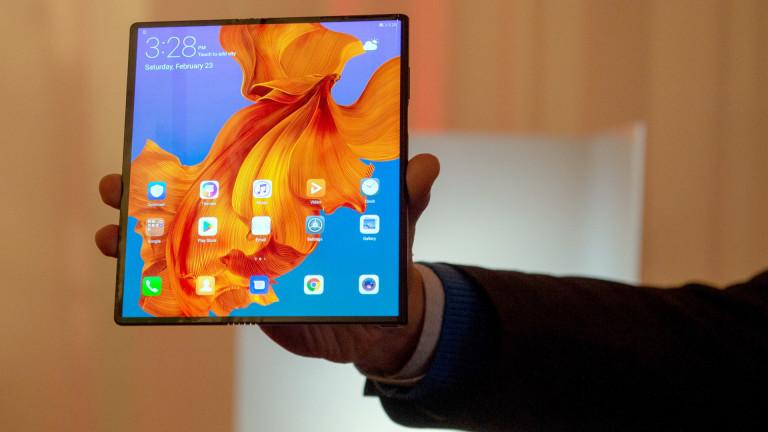 Снимка: Huawei представи своя сгъваем 5G Mate X смартфон. И той идва на цена от €2299