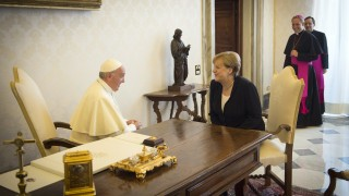Папата призова да се боря за климата, обяви Меркел във Ватикана