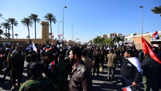 Тръмп изригна срещу Иран, организирал атаката срещу посолството на САЩ в Ирак