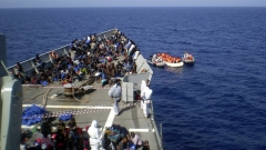 64 мигранти загинали при корабокрушение в Средиземно море