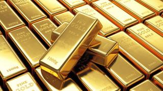 Цената на златото се съживи на фона на отслабналия долар