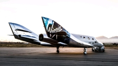 Ричард Брансън представи най-новия летателен апарат за туризъм в Космоса