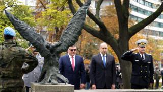 Прокуратурата е отказала да разследва Каракачанов за нарушения в МО