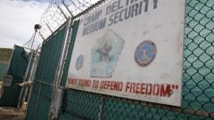 Остават 136 затворници в Гуантанамо след депортирането на 6-ма в Уругвай