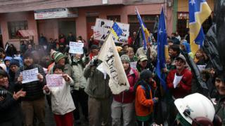 Превозват блокираните в Чили наши полярници