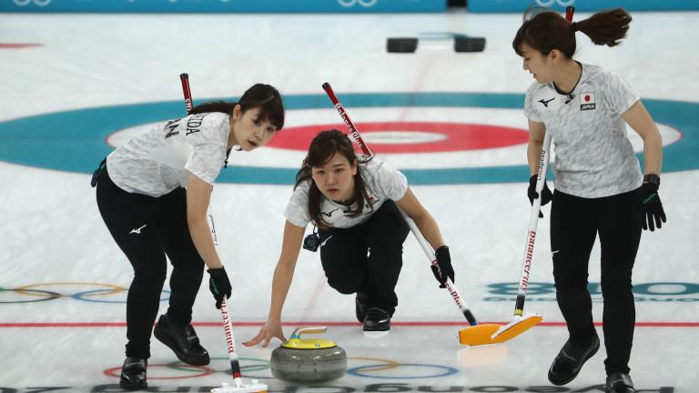 Домакините от Южна Корея са първият отбор в дамския кърлинг,