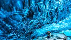 Кристалната пещера в Исландия