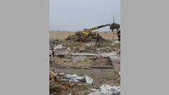 В Слънчев бряг разрушиха незаконни ресторанти и преместваеми обекти
