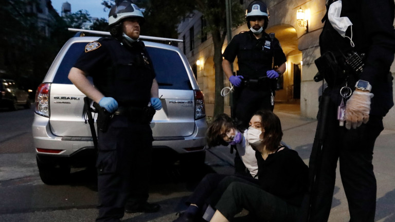 Полицията в САЩ е задържала най-малко 9,3 хиляди протестиращиот началото