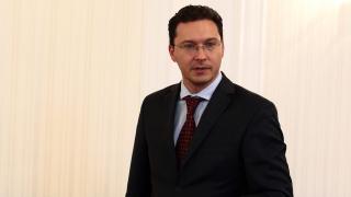 Министър Митов ще обсъди с Борис Джонсън миграцията и борбата с тероризма