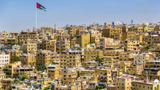Саудитска Арабия, Кувейт и ОАЕ дават $2.5 милиарда, за да помогнат на закъсала своя съседка