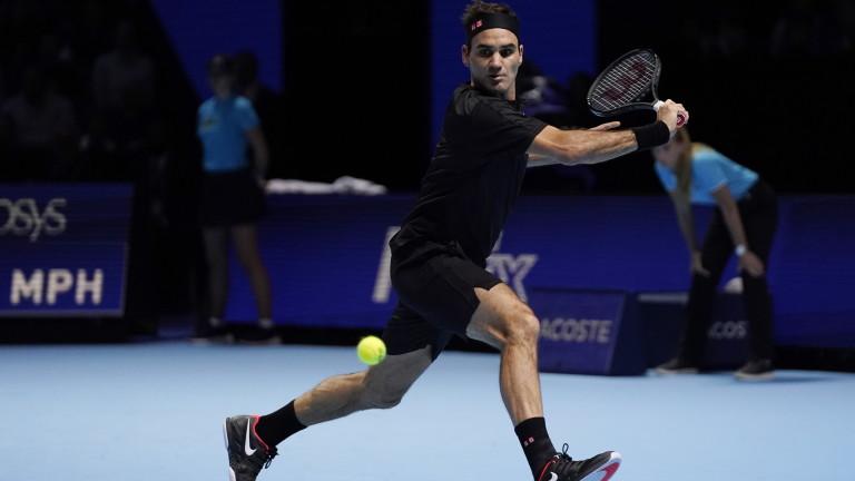 Роджър Федерер победи Новак Джокович с 6:4, 6:3 и се