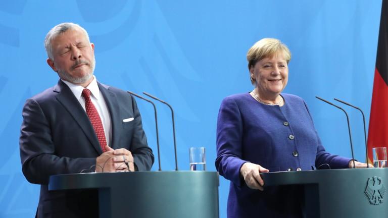 Германският канцлер Ангела Меркел призова за връщане към международното споразумение