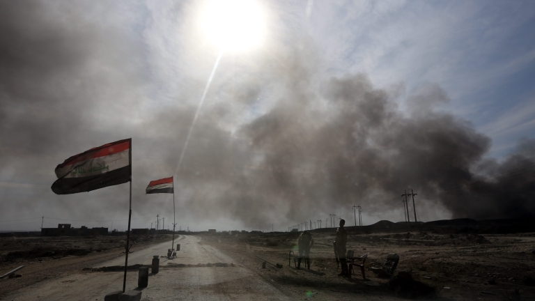 """Иракските сили отблъскват бойците на """"Ислямска държава"""" в Мосул"""