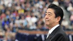 Премиерът на Япония е на посещение в Китай