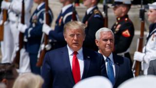 Бившият шеф на Пентагона: Тръмп не искаше САЩ да напусka Афганистан, сделката беше трик