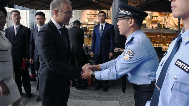 Първият съвместен патрул на китайски и сръбски полицаи е представен