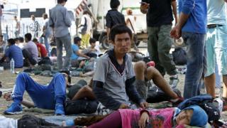 Близо 250 000 мигранти са прекосили Средиземно море тази година