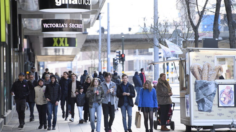 Швеция обмисля обратен завой по отношение на мерките срещу коронавируса,