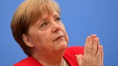 Меркел увери, че е добре и е готова да завърши мандата си
